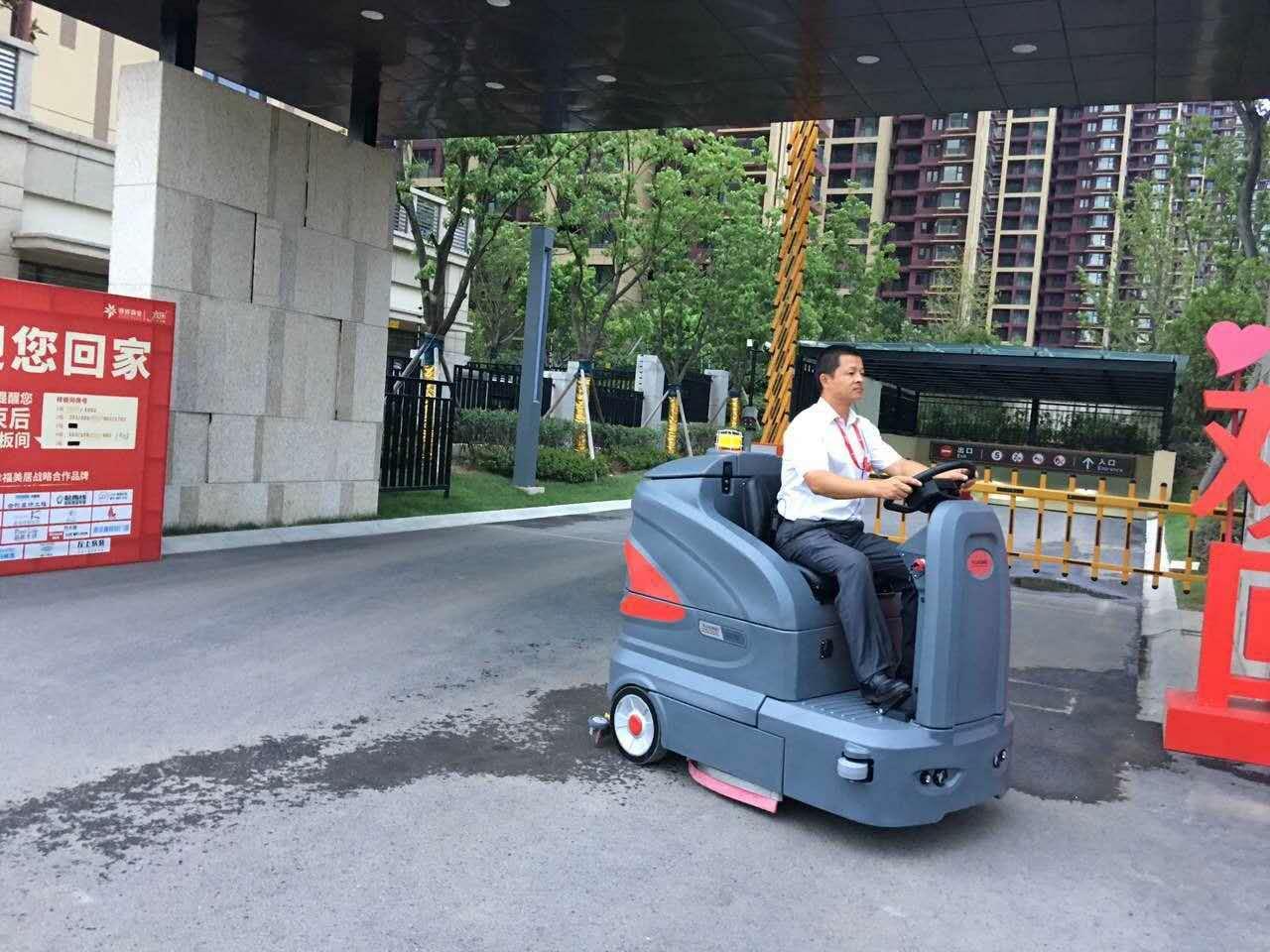 洗地车在未来的竞争力会如何发展.jpg